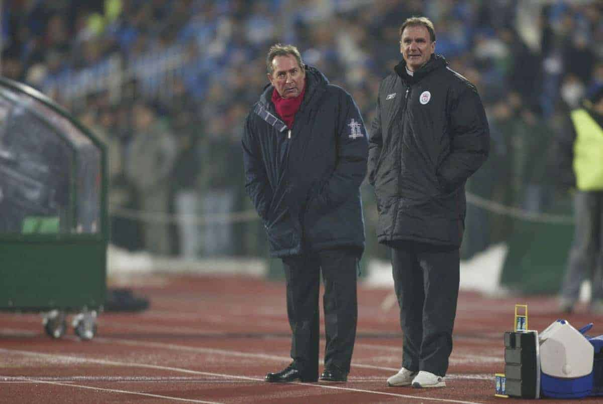 SOFIA, BULGARIA - Wednesday, March 3, 2004: Liverpool's manager Ge?rard Houllier and assistant Phil Thompson look on against Levski Sofia during the UEFA Cup 4th Round 2nd Leg match at the Vasil Levski Stadium. (Pic by David Rawcliffe/Propaganda)