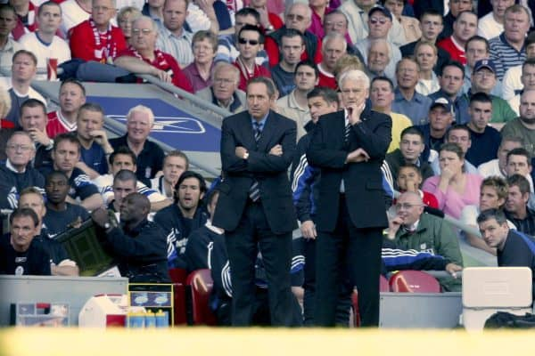 LIVERPOOL, ENGLAND: Saturday, May 15, 2004: Liverpool's manager Gerard Houllier and Newcastle United's manager Sir Bobby Robson watch from the touchline during the final Premiership game of the season at Anfield. (Pic by David Rawcliffe/Propaganda)
