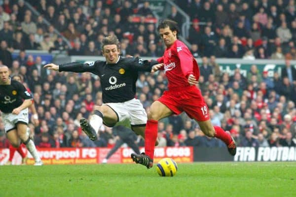 LIVERPOOL, ENGLAND - SATURDAY JANUARY 15th 2005: Liverpool's Fernando Morientes and Manchester United's Gabriel Heinze during the Premiership match at Anfield. (Pic by David Rawcliffe/Propaganda)