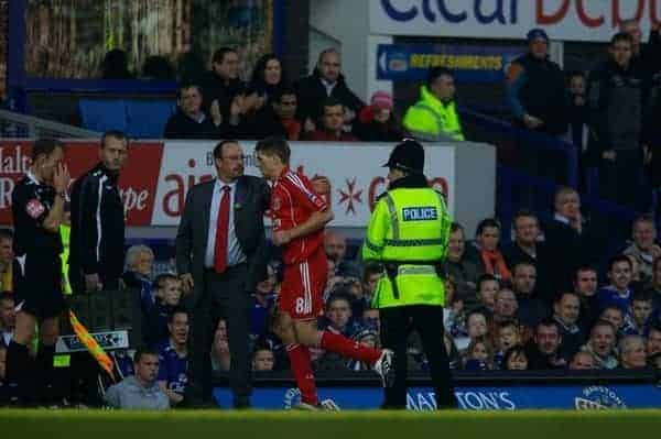 Liverpool, England - Saturday, October 20, 2007: Liverpool's Steven Gerrard MBE is substituted by manager Rafael Benitez during the 206th Merseyside Derby match against Everton at Goodison Park. (Photo by David Rawcliffe/Propaganda)