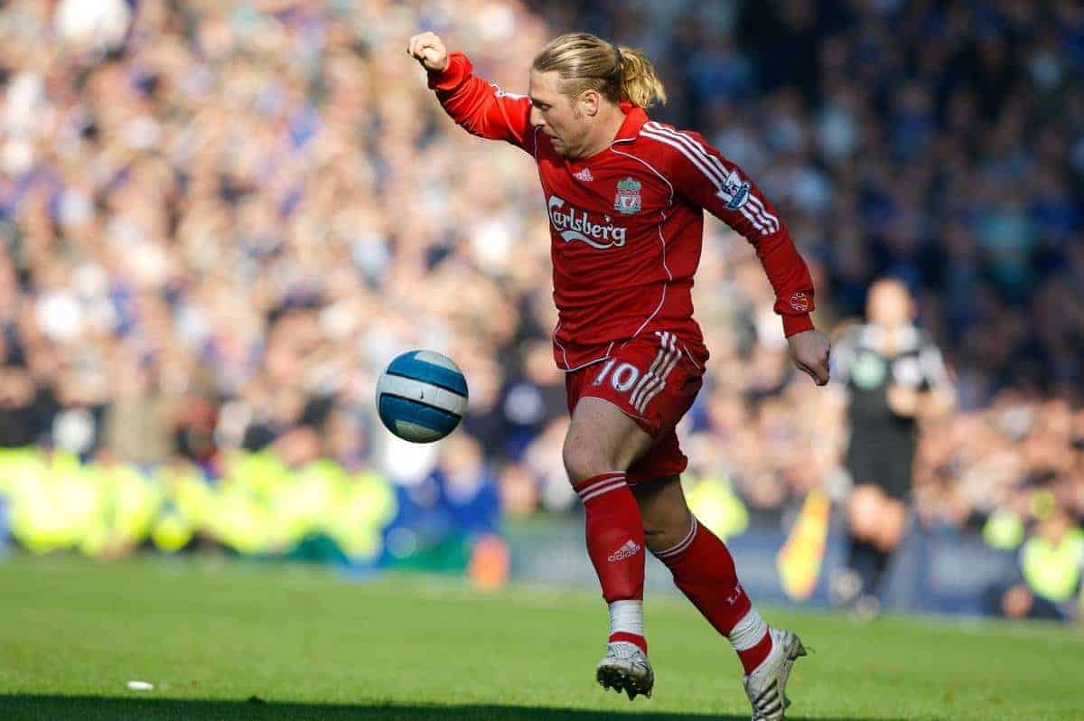 Liverpool, England - Saturday, October 20, 2007: Liverpool's Andriy Voronin in action against Everton during the 206th Merseyside Derby match at Goodison Park. (Photo by David Rawcliffe/Propaganda)