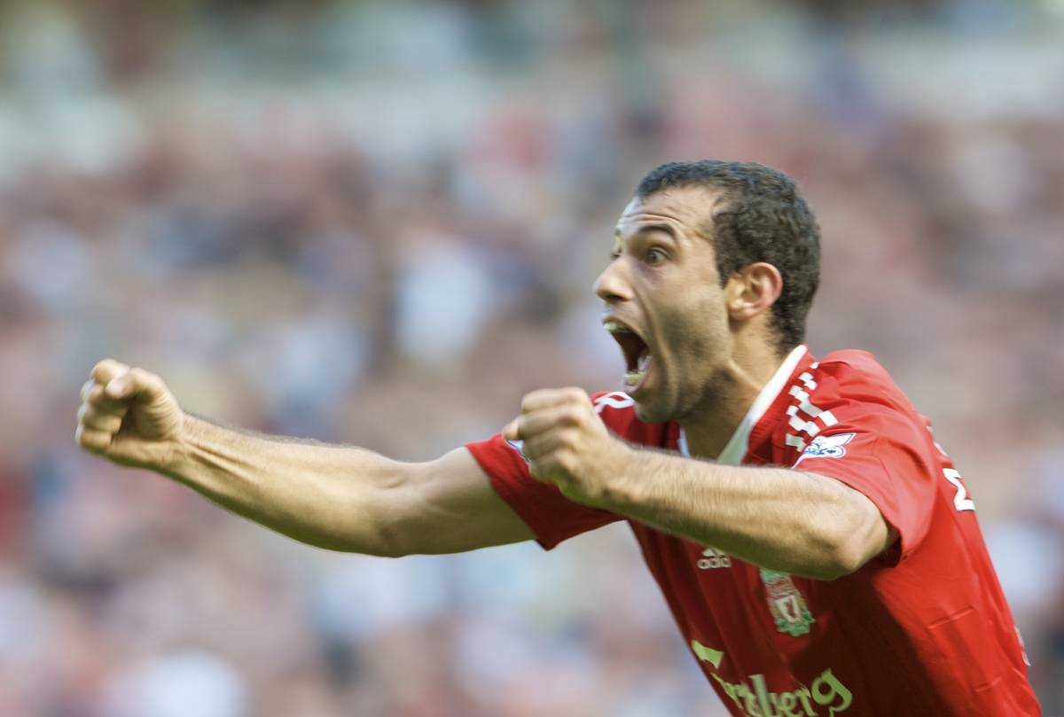 LIVERPOOL, ENGLAND - Saturday, September 13, 2008: Liverpool's Javier Mascherano celebrates after Ryan Babel's goal made the score 2-1 to Liverpool during the Premiership match against Manchester United at Anfield. (Photo by David Rawcliffe/Propaganda)