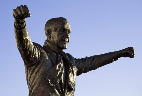 LIVERPOOL, ENGLAND - Friday, December 26, 2008: A bronze statue of Liverpool's legendary manager Bill Shankly at Anfield. (Photo by David Rawcliffe/Propaganda)
