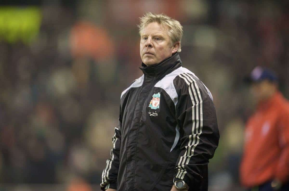 STOKE-ON-TRENT, ENGLAND - Saturday, January 10, 2009: Liverpool's assistant manager Sammy Lee watches his side in action against Stoke City during the Premiership match at the Britannia Stadium. (Photo by David Rawcliffe/Propaganda)