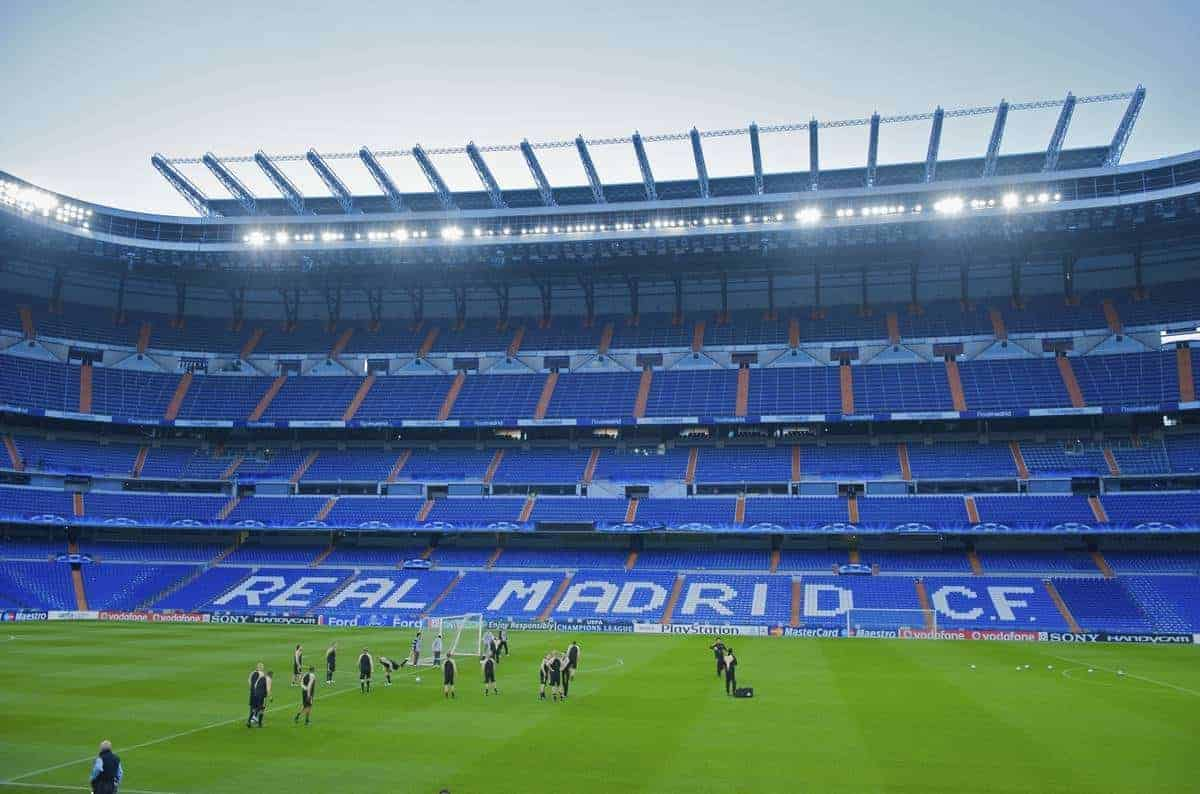 MADRID, SPAIN - Tuesday, February 24, 2009: Liverpool's players training at the Santiago Bernabeu ahead of the UEFA Champions League First Knock-Out Round against Real Madrid. (Photo by David Rawcliffe/Propaganda)