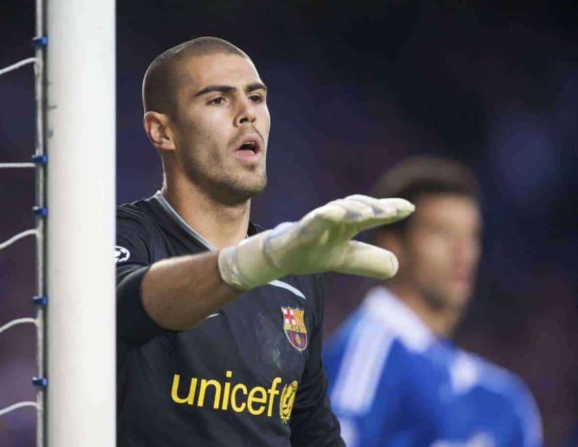 LONDON, ENGLAND - Wednesday, May 6, 2009: Barcelona's goalkeeper Victor Valdes during the UEFA Champions League Semi-Final 2nd Leg match against Chelsea at Stamford Bridge. (Photo by David Rawcliffe/Propaganda)