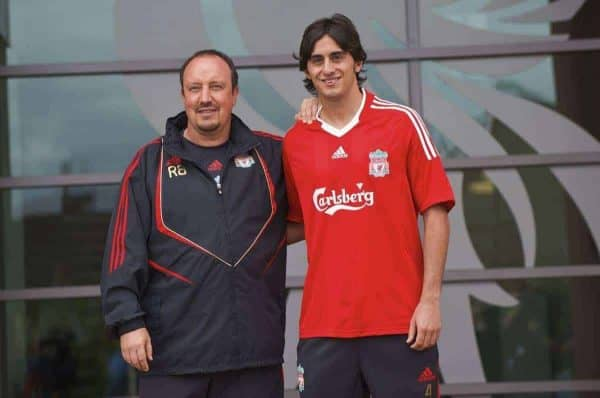 LIVERPOOL, ENGLAND - Thursday, August 13, 2009: Liverpool's new signing Alberto Aquilani, who joins the club from Italian side AS Roma, with manager Rafael Benitez during a photo-call at Melwood Training Ground. (Photo by David Rawcliffe/Propaganda)
