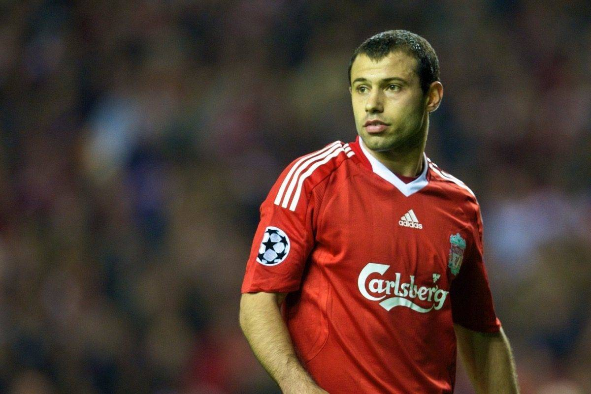 LIVERPOOL, ENGLAND - Tuesday, October 20, 2009: Liverpool's Javier Mascherano in action against Olympique Lyonnais during the UEFA Champions League Group E match at Anfield. (Pic by David Rawcliffe/Propaganda)
