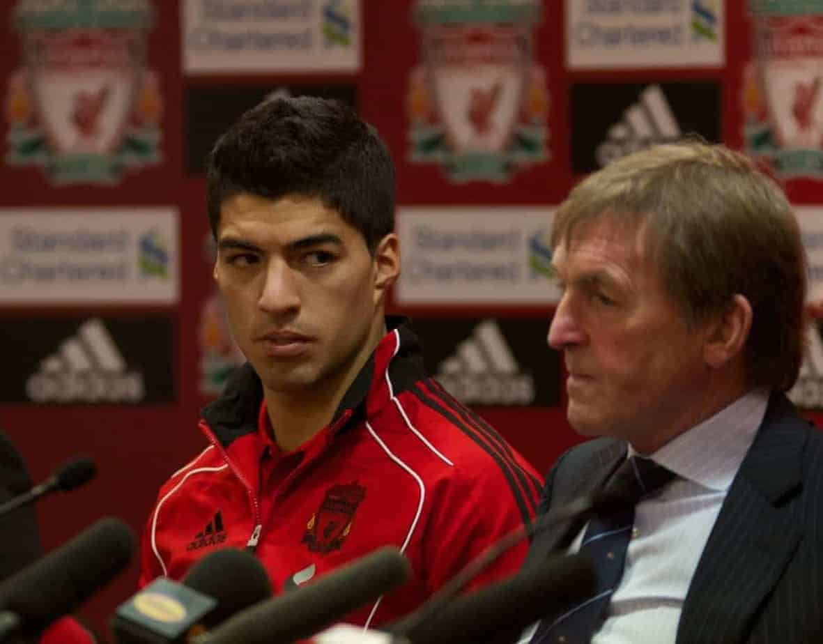 LIVERPOOL, ENGLAND - Thursday, February 3, 2011: Liverpool's new signing Luis Alberto Suarez Diaz with manager Kenny Dalglish during a photo-call at Anfield. Luis Suarez signed from Ajax for £22.8m. (Photo by Vegard Grott/Propaganda)