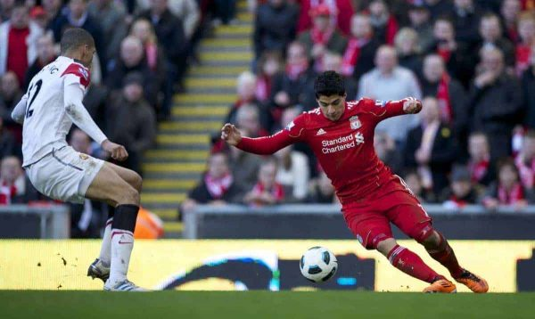 LIVERPOOL, ENGLAND - Sunday, March 6, 2011: Liverpool's Luis Alberto Suarez Diaz in action against Manchester United during the Premiership match at Anfield. (Photo by David Rawcliffe/Propaganda)