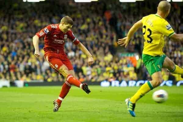 LIVERPOOL, ENGLAND - Saturday, October 22, 2011: Liverpool's captain Steven Gerrard MBE in action against Norwich City during the Premiership match at Anfield. (Pic by David Rawcliffe/Propaganda)