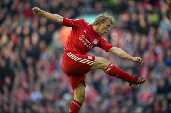 LIVERPOOL, ENGLAND - Saturday, January 28, 2012: Liverpool's match-winner Dirk Kuyt scores the second goal against against Manchester United to seal a 2-1 victory during the FA Cup 4th Round match at Anfield. (Pic by David Rawcliffe/Propaganda)