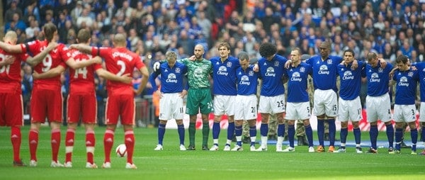 LONDON, ENGLAND - Saturday, April 14, 2012: Everton and Liverpool players stand for a minute's silence to remember the 96 victims of the Hillsborough Disaster before the FA Cup Semi-Final match at Wembley. (Pic by David Rawcliffe/Propaganda)