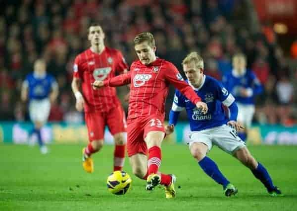 SOUTHAMPTON, ENGLAND - Monday, January 21, 2013: Everton's Steven Naismith in action against Southampton's Luke Shaw during the Premiership match at St. Mary's Stadium. (Pic by David Rawcliffe/Propaganda)