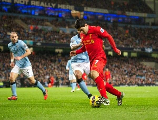 MANCHESTER, ENGLAND - Sunday, February 3, 2013: Liverpool's Luis Alberto Suarez Diaz in action against Manchester City during the Premiership match at the City of Manchester Stadium. (Pic by David Rawcliffe/Propaganda)