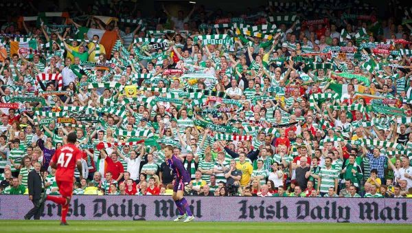 DUBLIN, REPUBLIC OF IRELAND - Saturday, August 10, 2013: Glasgow Celtic supporters sing 'You'll Never Walk Alone' during a preseason friendly match against Liverpool at the Aviva Stadium. (Pic by David Rawcliffe/Propaganda)