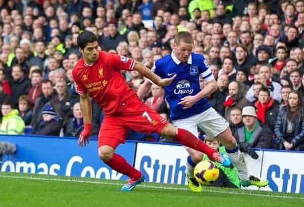 LIVERPOOL, ENGLAND - Saturday, November 23, 2013: Liverpool's Luis Suarez in action against Everton during the 221st Merseyside Derby Premiership match at Goodison Park. (Pic by David Rawcliffe/Propaganda)