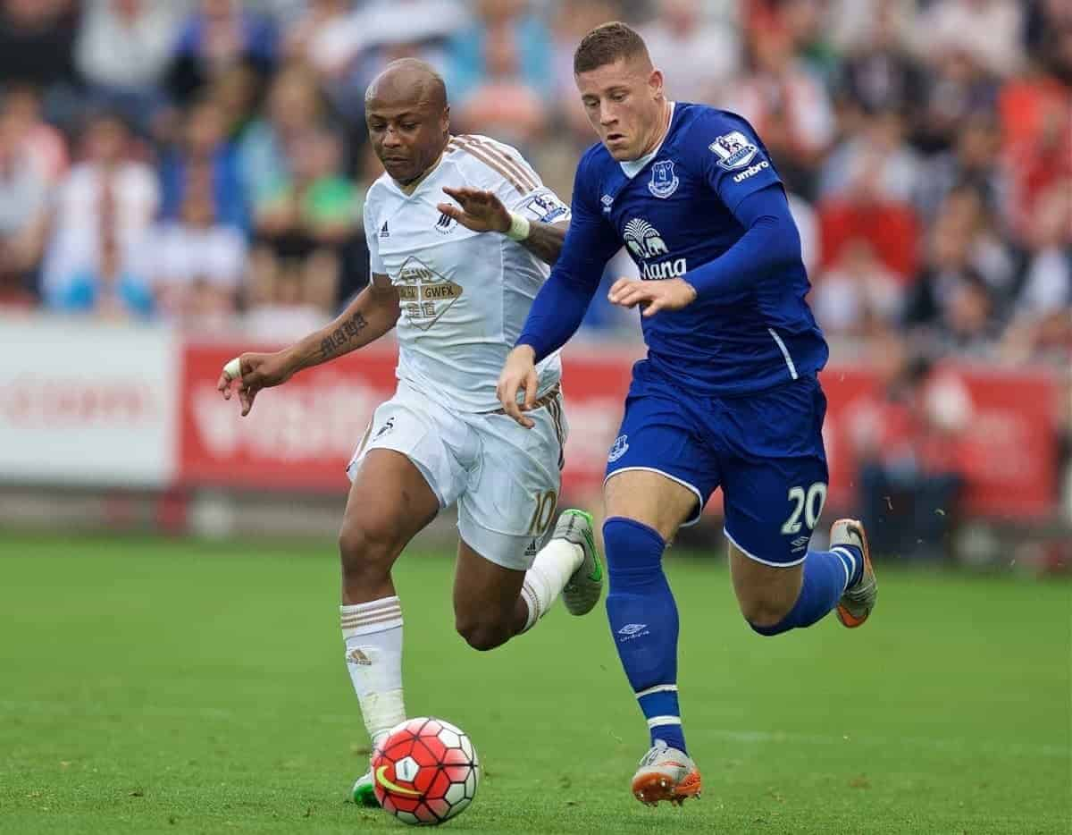 SWANSEA, WALES - Saturday, September 19, 2015: Everton's Ross Barkley in action against Swansea City's Andre Ayew during the Premier League match at the Liberty Stadium. (Pic by David Rawcliffe/Propaganda)
