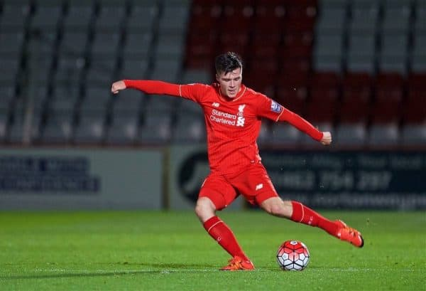 STEVENAGE, ENGLAND - Friday, October 23, 2015: Liverpool's Alex O'Hanlon in action against Tottenham Hotspur during the Under 21 FA Premier League match at the Lamex Stadium. (Pic by David Rawcliffe/Propaganda)
