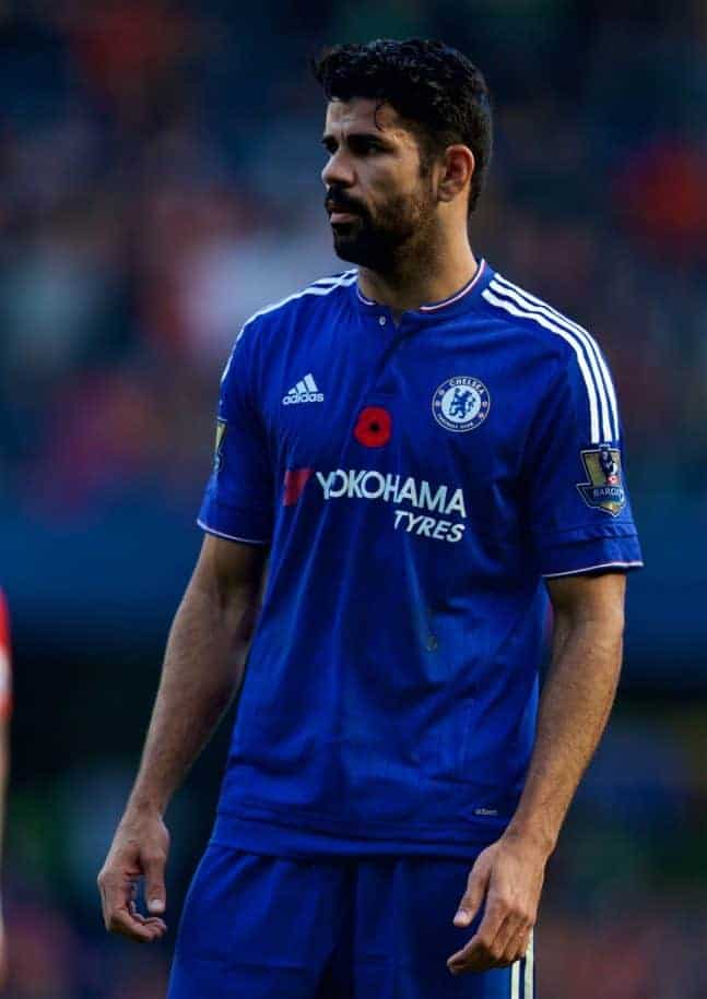 LONDON, ENGLAND - Saturday, October 31, 2015: Chelsea's Diego Costa in action against Liverpool during the Premier League match at Stamford Bridge. (Pic by David Rawcliffe/Propaganda)