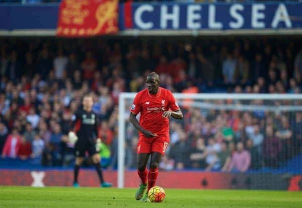 LONDON, ENGLAND - Saturday, October 31, 2015: Liverpool's Mamadou Sakho in action against Chelsea during the Premier League match at Stamford Bridge. (Pic by David Rawcliffe/Propaganda)