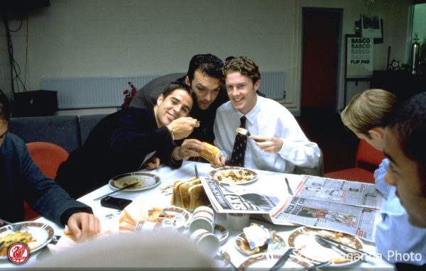 Liverpool's Steve McManaman (R) eats lunch with Jamie Redknapp (L) and Neil Ruddock (C) as the team prepare for a match day at the club's Melwood Training Ground. (Pic by David Rawcliffe/Propaganda)