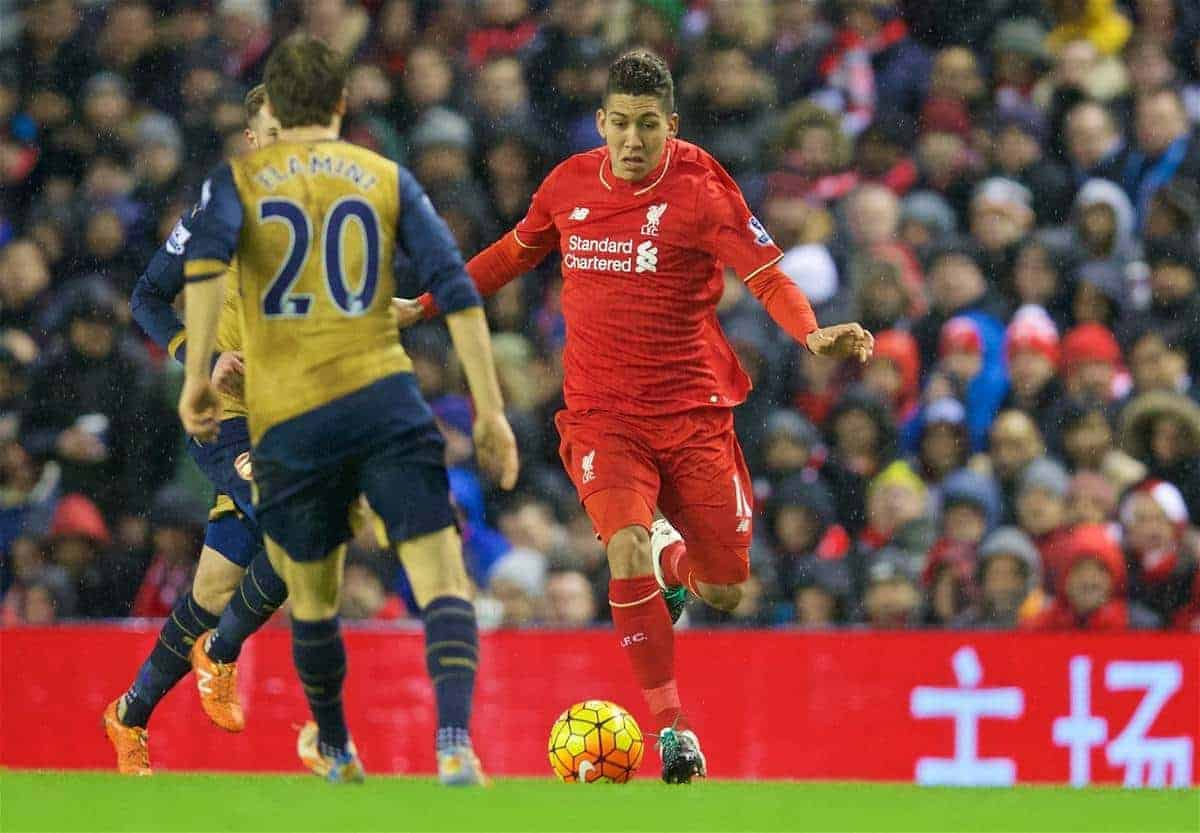 LIVERPOOL, ENGLAND - Wednesday, January 13, 2016: Liverpool's Roberto Firmino in action against Arsenal during the Premier League match at Anfield. (Pic by David Rawcliffe/Propaganda)