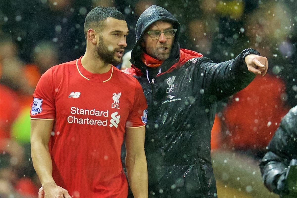 LIVERPOOL, ENGLAND - Wednesday, January 13, 2016: Liverpool's manager Jürgen Klopp prepares to bring on substitute Steven Caulker against Arsenal during the Premier League match at Anfield. (Pic by David Rawcliffe/Propaganda)