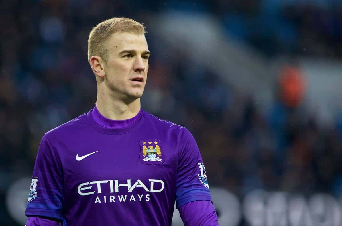 MANCHESTER, ENGLAND - Saturday, January 16, 2016: Manchester City's goalkeeper Joe Hart in action against Crystal Palace during the Premier League match at the City of Manchester Stadium. (Pic by David Rawcliffe/Propaganda)
