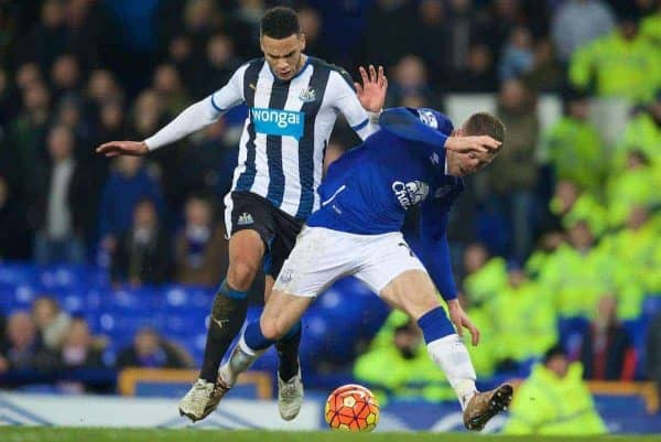 LIVERPOOL, ENGLAND - Wednesday, February 3, 2016: Everton's Ross Barkley is brought down by Newcastle United's Jamaal Lascelles for a second penalty, and the Newcastle player is shown a red card, during the Premier League match at Goodison Park. (Pic by David Rawcliffe/Propaganda)