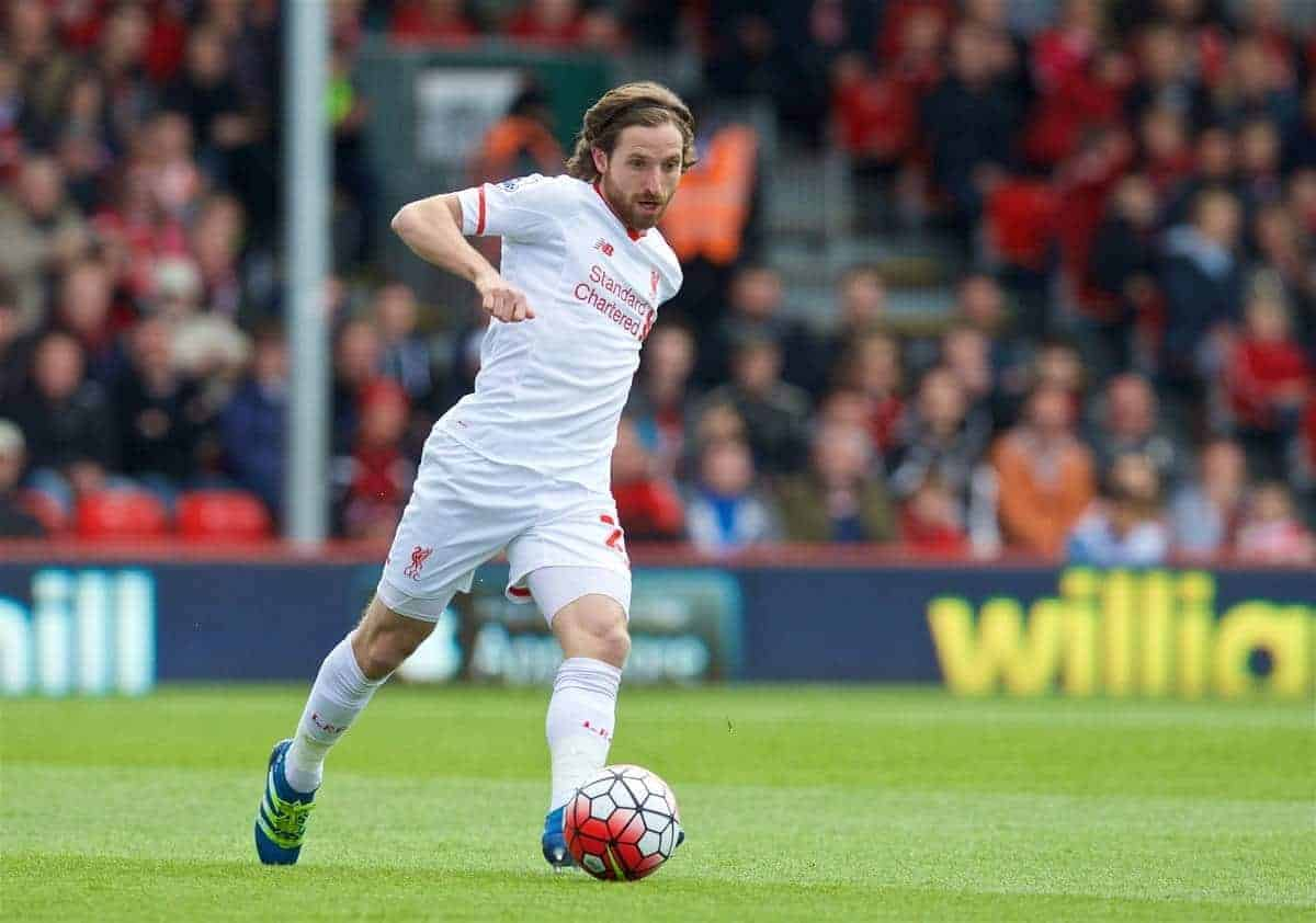 BOURNEMOUTH, ENGLAND - Sunday, April 17, 2016: Liverpool's Joe Allen in action against Bournemouth during the FA Premier League match at Dean Court. (Pic by David Rawcliffe/Propaganda)