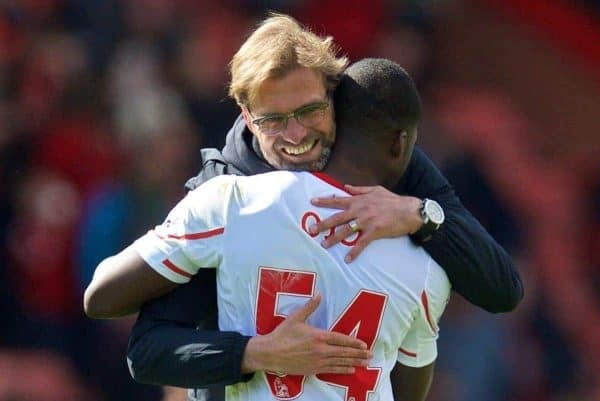 BOURNEMOUTH, ENGLAND - Sunday, April 17, 2016: Liverpool's manager Jürgen Klopp hugs Sheyi Ojo after the 2-1 victory over Bournemouth during the FA Premier League match at Dean Court. (Pic by David Rawcliffe/Propaganda)