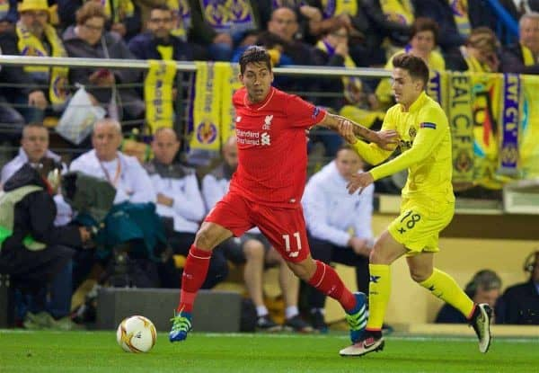 VILLRREAL, SPAIN - Thursday, April 28, 2016: Liverpool's Roberto Firmino in action against Villarreal CF during the UEFA Europa League Semi-Final 1st Leg match at Estadio El Madrigal. (Pic by David Rawcliffe/Propaganda)