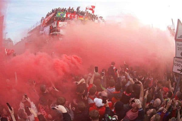 LIVERPOOL, ENGLAND - Thursday, May 5, 2016: Liverpool supporters welcome the Villarreal CF team coach to the stadium with smoke bombs before the UEFA Europa League Semi-Final 2nd Leg match against Villarreal CF at Anfield. (Pic by David Rawcliffe/Propaganda)