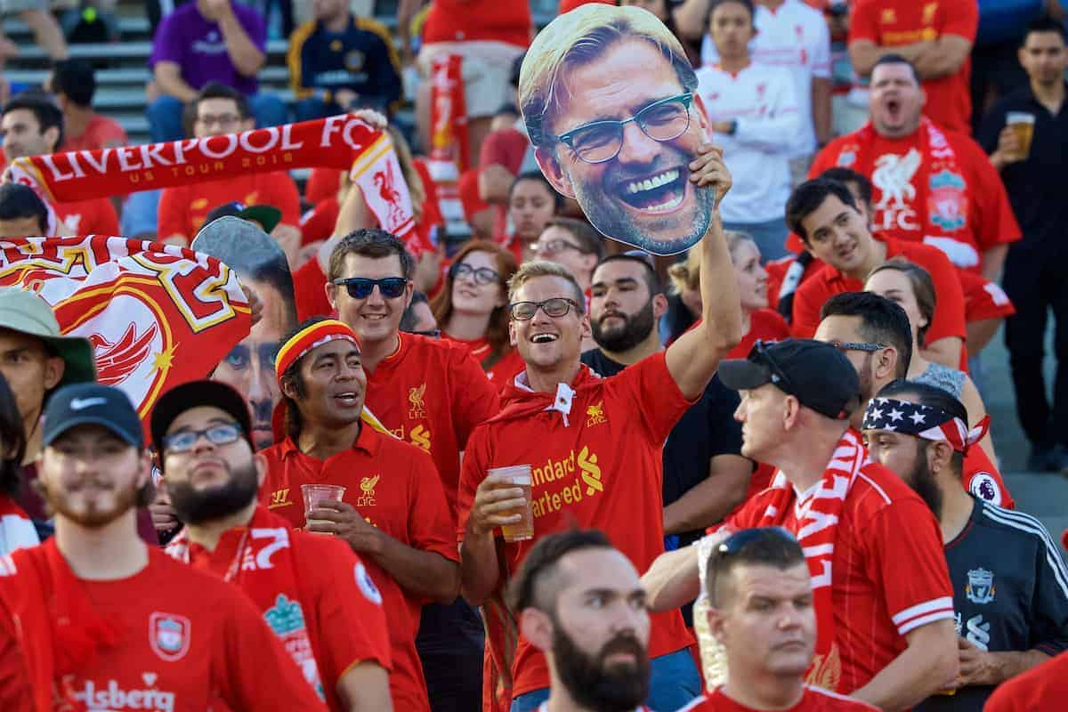 PASADENA, USA - Wednesday, July 27, 2016: Liverpool supporters with a giant manager Jürgen Klopp mask before the International Champions Cup 2016 game against Chelsea on day seven of the club's USA Pre-season Tour at the Rose Bowl. (Pic by David Rawcliffe/Propaganda)