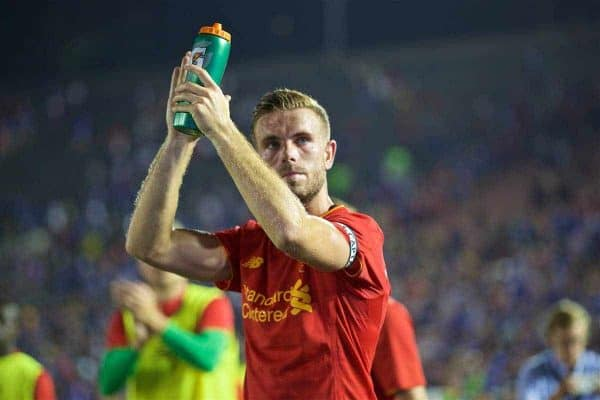 PASADENA, USA - Wednesday, July 27, 2016: Liverpool's captain Jordan Henderson applauds the supporters after the 1-0 defeat to Chelsea during the International Champions Cup 2016 game on day seven of the club's USA Pre-season Tour at the Rose Bowl. (Pic by David Rawcliffe/Propaganda)
