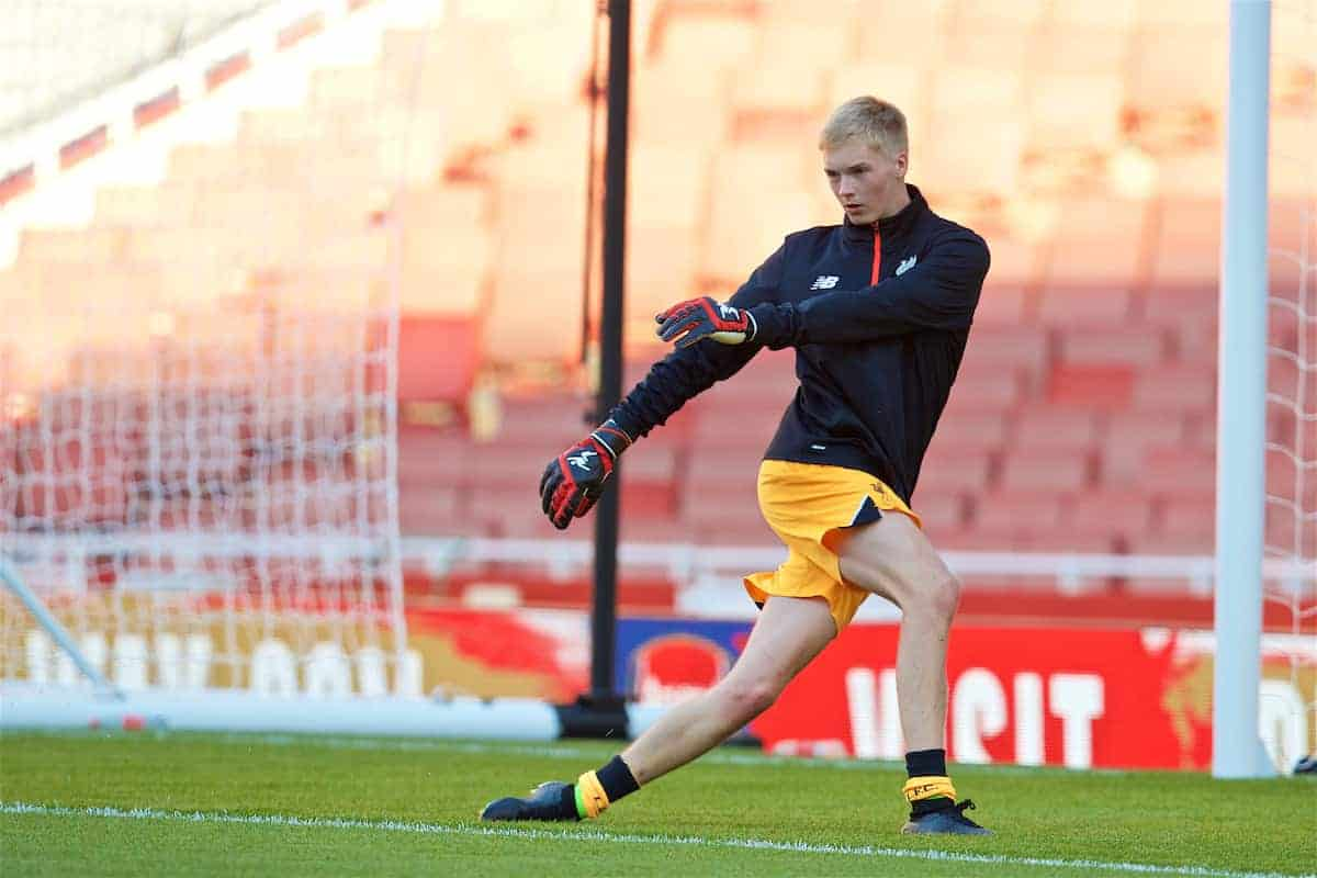 LONDON, ENGLAND - Friday, August 26, 2016: Liverpool's goalkeeper Caoimhin Kelleher warms-up before the FA Premier League 2 Under-23 match against Arsenal at the Emirates Stadium. (Pic by David Rawcliffe/Propaganda)