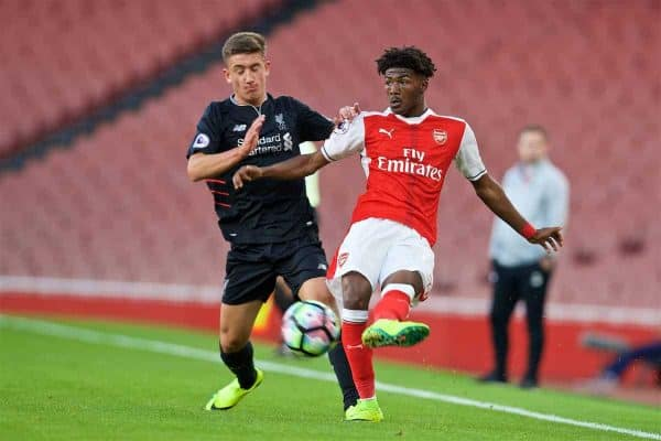 LONDON, ENGLAND - Friday, August 26, 2016: Arsenal's Ainsley Maitland-Niles [R] and Liverpool's Cameron Brannagan during the FA Premier League 2 Under-23 match at the Emirates Stadium. (Pic by David Rawcliffe/Propaganda)