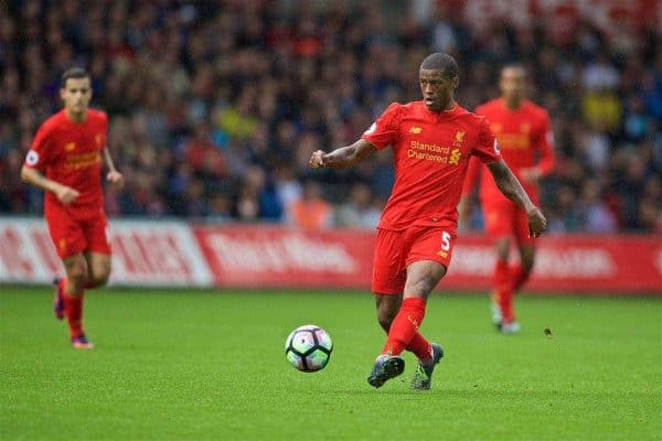 LIVERPOOL, ENGLAND - Saturday, October 1, 2016: Liverpool's Georginio Wijnaldum in action against Swansea City during the FA Premier League match at the Liberty Stadium. (Pic by David Rawcliffe/Propaganda)