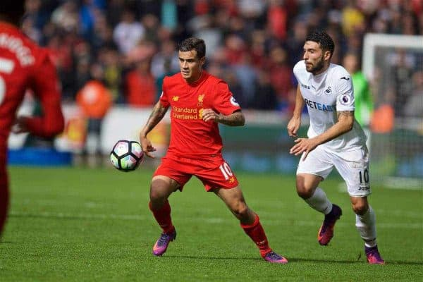 LIVERPOOL, ENGLAND - Saturday, October 1, 2016: Liverpool's Philippe Coutinho Correia in action against Swansea City during the FA Premier League match at the Liberty Stadium. (Pic by David Rawcliffe/Propaganda)