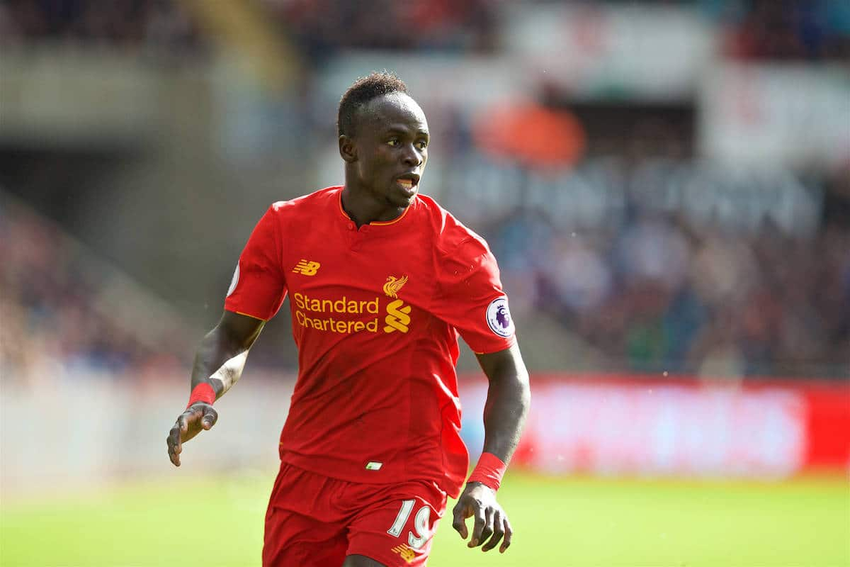 LIVERPOOL, ENGLAND - Saturday, October 1, 2016: Liverpool's Sadio Mane in action against Swansea City during the FA Premier League match at the Liberty Stadium. (Pic by David Rawcliffe/Propaganda)