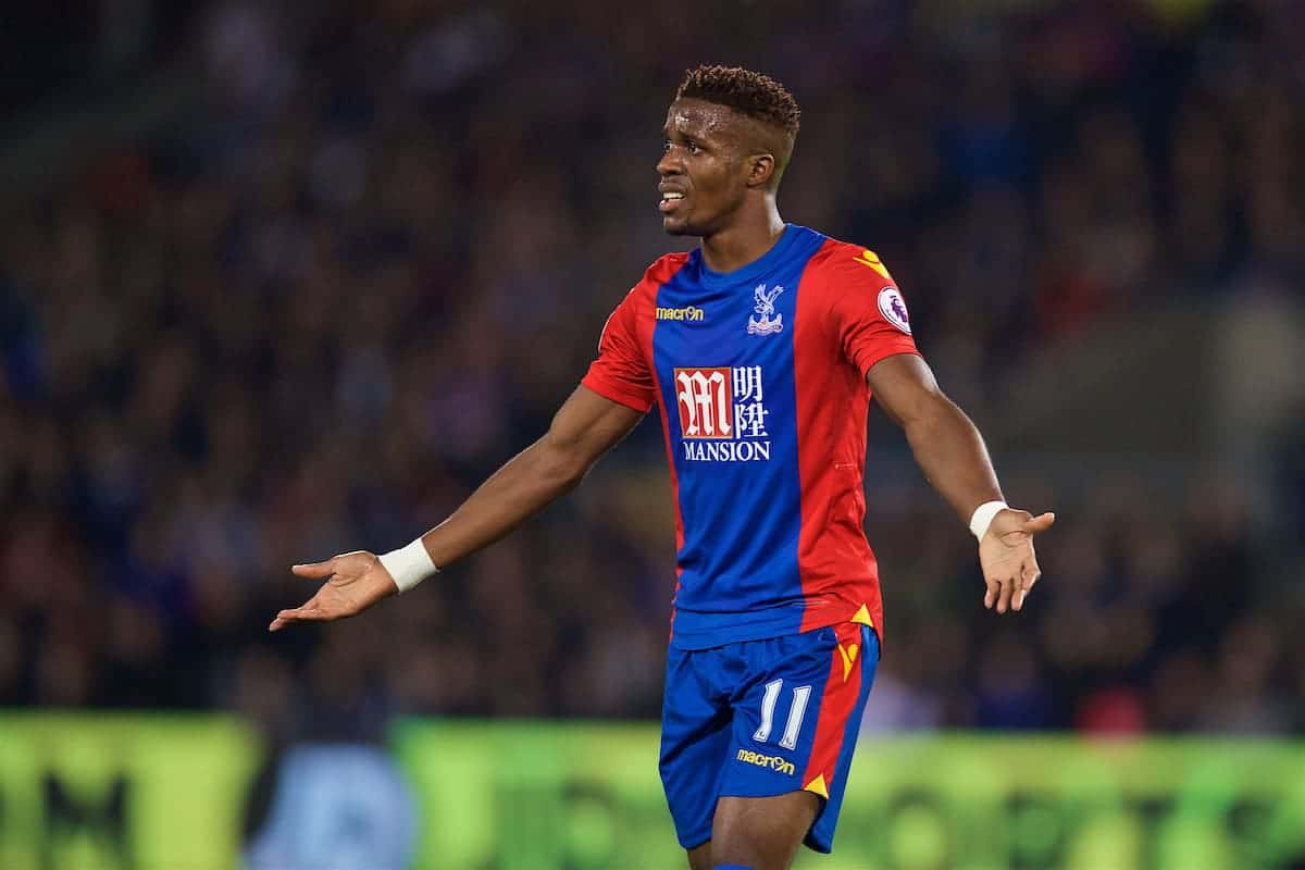 LONDON, ENGLAND - Saturday, October 29, 2016: Crystal Palace's Wilfried Zaha in action against Liverpool during the FA Premier League match at Selhurst Park. (Pic by David Rawcliffe/Propaganda)