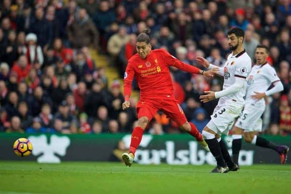 LIVERPOOL, ENGLAND - Sunday, November 6, 2016: Liverpool's Roberto Firmino in action against Watford during the FA Premier League match at Anfield. (Pic by David Rawcliffe/Propaganda)