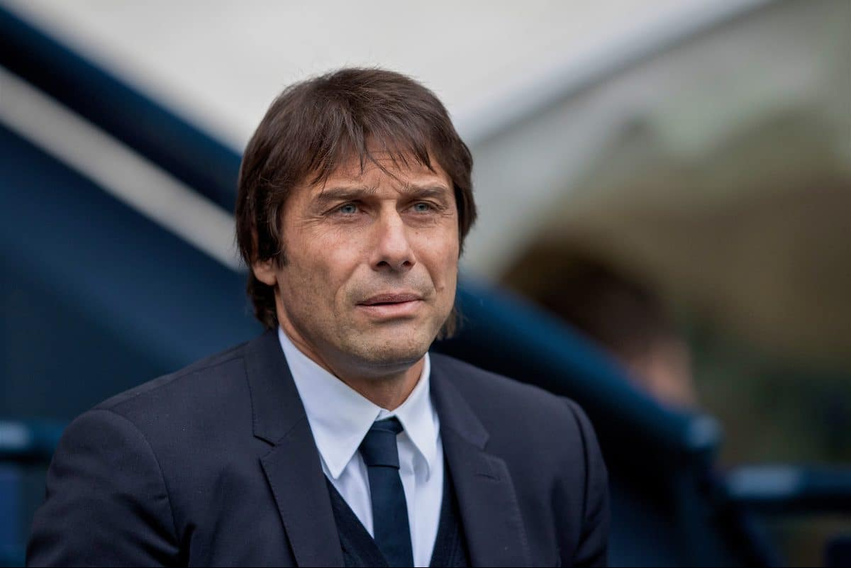 MANCHESTER, ENGLAND - Saturday, December 3, 2016: Chelsea's manager Antonio Conte before the FA Premier League match against Manchester City at the City of Manchester Stadium. (Pic by Gavin Trafford/Propaganda)