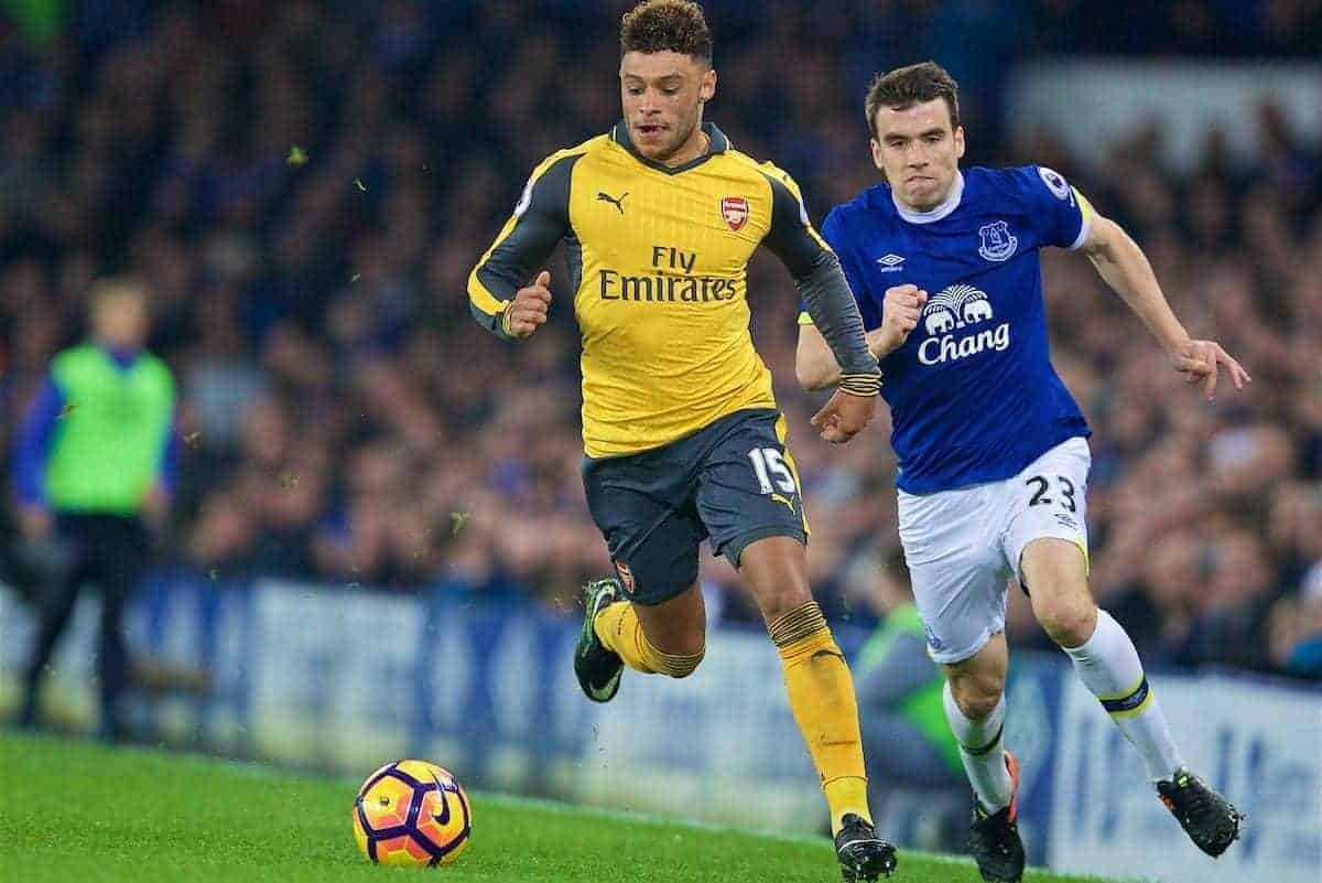 LIVERPOOL, ENGLAND - Tuesday, December 13, 2016: Arsenal's Alex Oxlade-Chamberlain and Everton's Seamus Coleman during the FA Premier League match at Goodison Park. (Pic by David Rawcliffe/Propaganda)