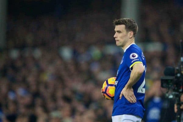 LIVERPOOL, ENGLAND - Monday, December 19, 2016: Everton'e Seamus Coleman in action against Liverpool during the FA Premier League match, the 227th Merseyside Derby, at Goodison Park. (Pic by David Rawcliffe/Propaganda)