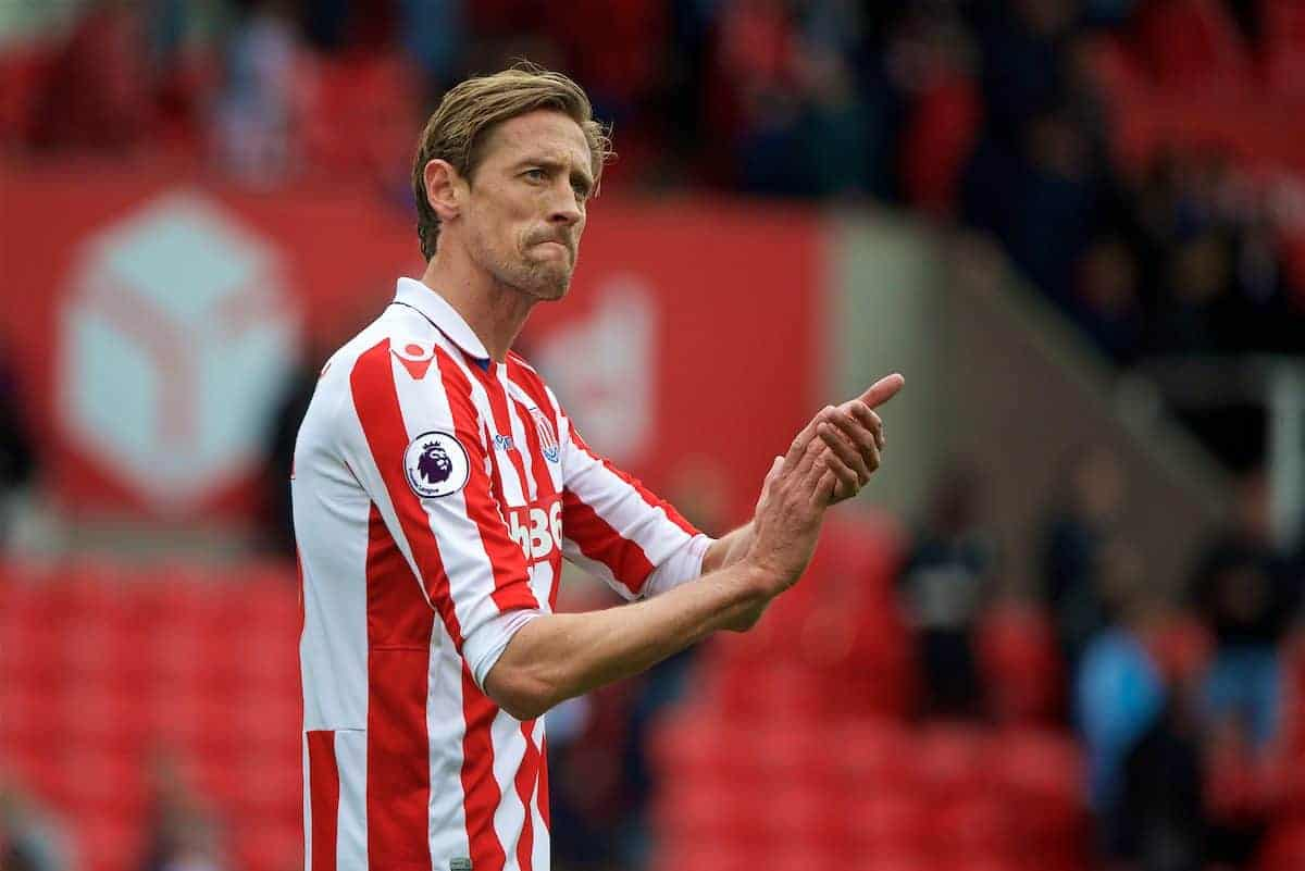 STOKE-ON-TRENT, ENGLAND - Saturday, April 29, 2017: Stoke City's Peter Crouch applauds the supporters after the goal-less draw with West Ham United during the FA Premier League match at the Bet365 Stadium. (Pic by David Rawcliffe/Propaganda)