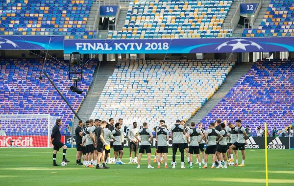 KIEV, UKRAINE - Friday, May 25, 2018: Liverpool's player gather together during a training session at the NSC Olimpiyskiy ahead of the UEFA Champions League Final match between Real Madrid CF and Liverpool FC. (Pic by Peter Powell/Propaganda)