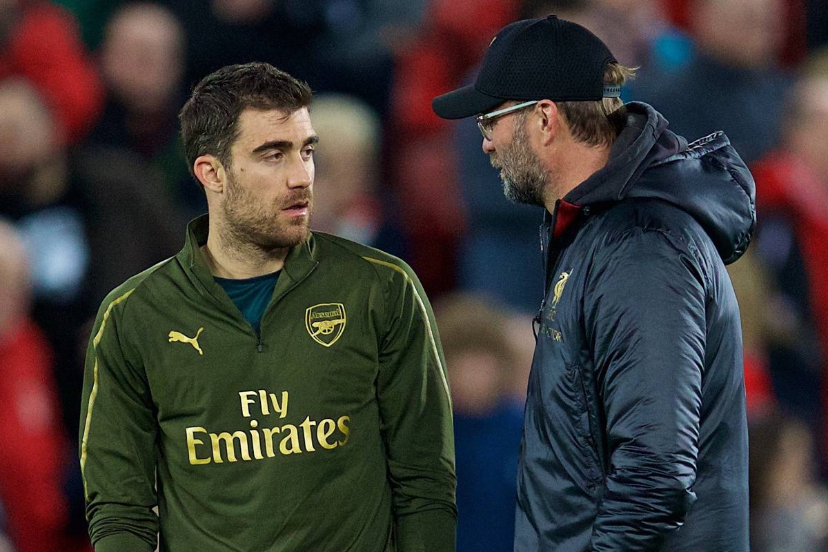 LIVERPOOL, ENGLAND - Saturday, December 29, 2018: Liverpool's manager Jürgen Klopp chats with Arsenal's Sokratis Papastathopoulos before the FA Premier League match between Liverpool FC and Arsenal FC at Anfield. (Pic by David Rawcliffe/Propaganda)