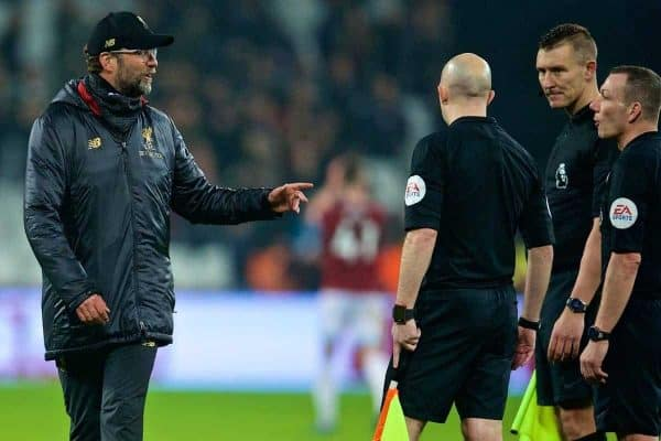 LONDON, ENGLAND - Monday, February 4, 2019: Liverpool's manager J¸rgen Klopp speaks with referee Kevin Friend after the FA Premier League match between West Ham United FC and Liverpool FC at the London Stadium. (Pic by David Rawcliffe/Propaganda)